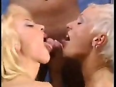 threesomes pissing in sauna