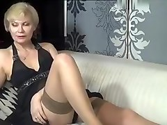 kinky_momy dilettante record 07/11/15 on 12:23 from MyFreecams