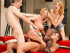 Lara de Santis & Leona Green & Chris Diamond in Girls Vs MILFS #03 - EvilAngel
