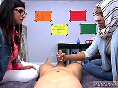 moscow amateurs first time bj lessons with mia khalifa